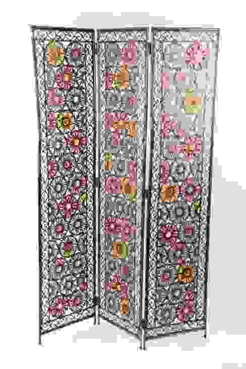 Biombo de metal con decoración colorista. de Goyart.com Asiático