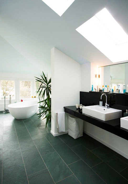 KOE Moderne Badezimmer von cpm gesellschaft von architekten mbh Modern