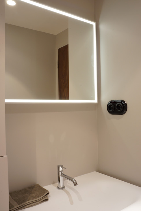 Modern bathroom by blackStones Modern