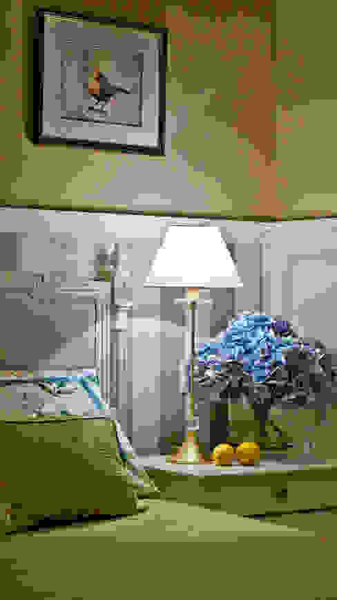Italian provence - Interior design od the Villa in Italian Riviera Mediterrane Schlafzimmer von NG-STUDIO Interior Design Mediterran