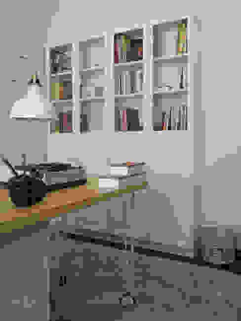 Escritório Preto no Branco - Depois: Escritórios e Espaços de trabalho  por MUDA Home Design,Escandinavo