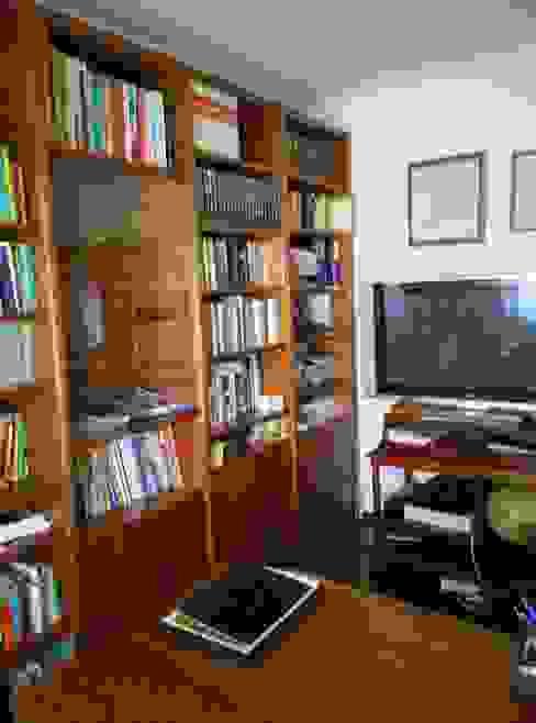 Escritório Preto no Branco - Antes por MUDA Home Design