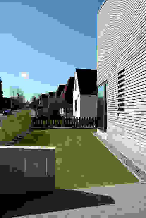 Einbindung in die Umgebung Moderne Häuser von JEBENS SCHOOF ARCHITEKTEN Modern