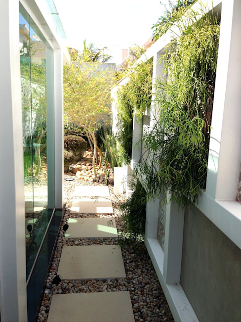 Corredores, halls e escadas modernos por ESTÚDIO danielcruz Moderno