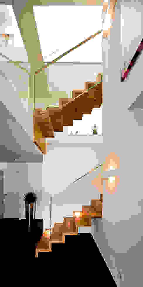brügel_eickholt architekten gmbh Pasillos, vestíbulos y escaleras de estilo moderno
