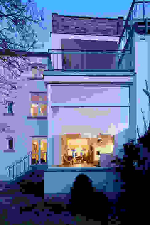 Revitalisierung Haus B. Düsseldorf Moderne Häuser von kg5 architekten Modern
