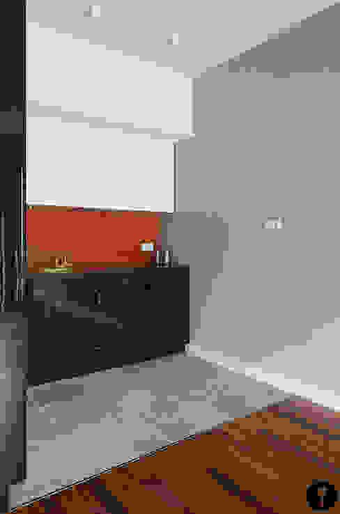 Pomarańczowe szaleństwo: styl , w kategorii Kuchnia zaprojektowany przez Urządzamy pod klucz,Nowoczesny