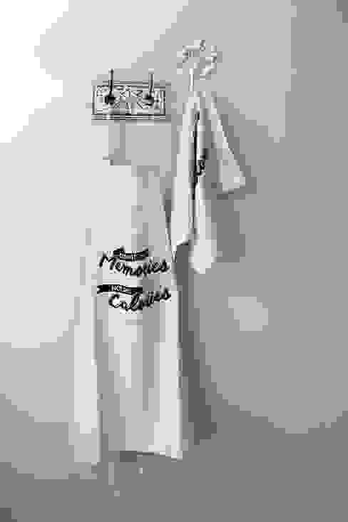 """Avental """"Count the Memories not the Calories"""": Cozinha  por Maria Tigela"""