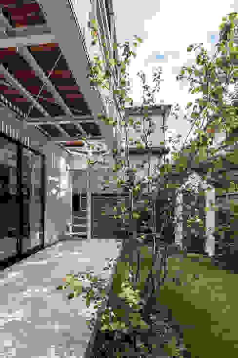 Jardins  por 設計事務所アーキプレイス, Escandinavo
