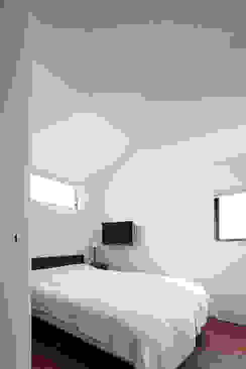 Projekty,  Sypialnia zaprojektowane przez 設計事務所アーキプレイス,