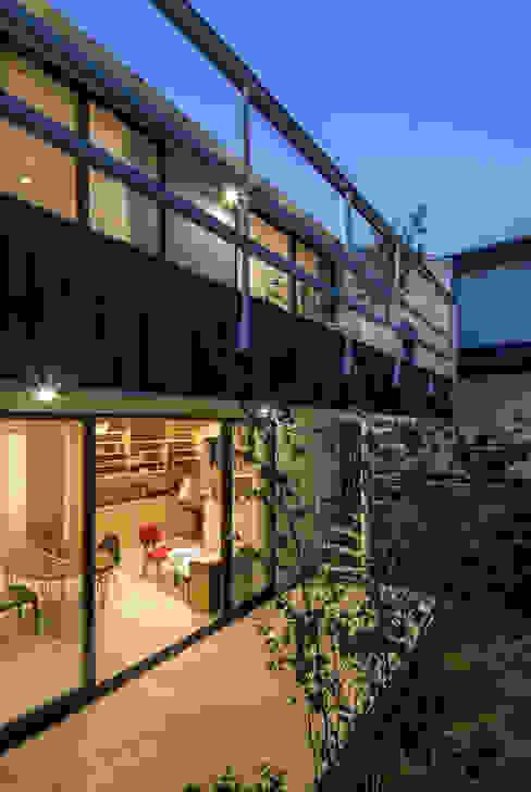 緑あふれるアトリエのある家 設計事務所アーキプレイス モダンな 家