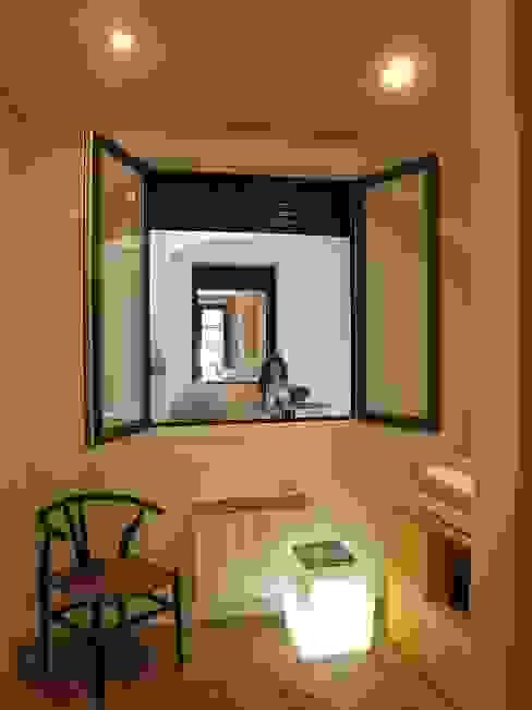 Reforma de vivienda en el Centro de Pamplona Dormitorios infantiles de estilo minimalista de Rooms de Cocinobra Minimalista