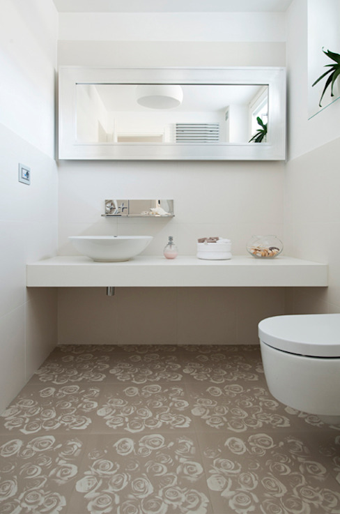 Modern Bathroom by FASE ARCHITETTI ASSOCIATI Modern