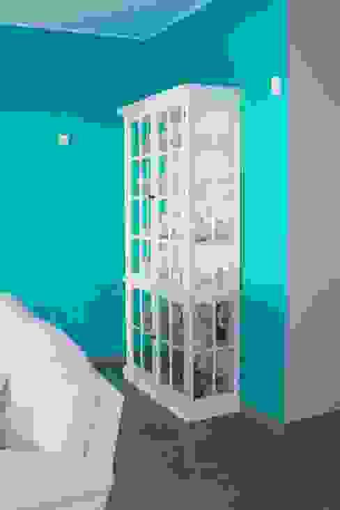 Klasyczny salon od Stoc Casa Interiores Klasyczny