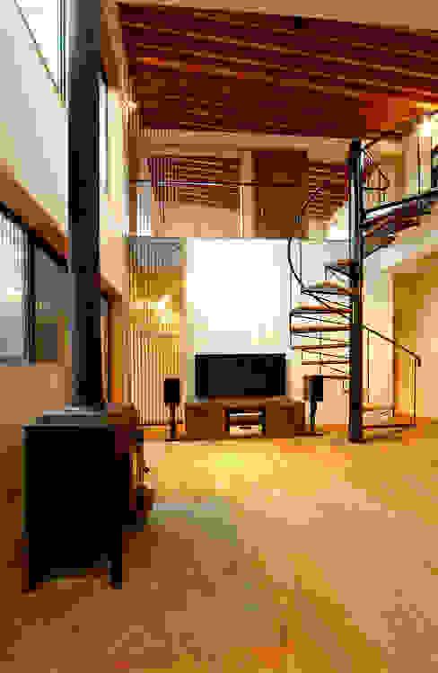 福野の家 オリジナルデザインの リビング の 濱田修建築研究所 オリジナル