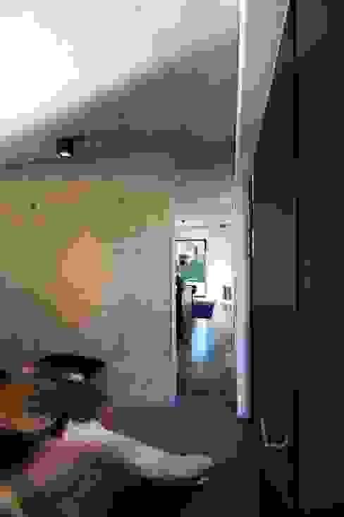 Corredores, halls e escadas modernos por aprikari gmbh & co. kg Moderno