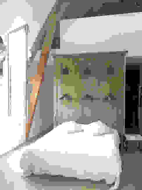chambre par Atelier DCCP Architectes Éclectique
