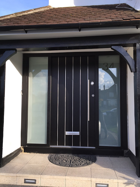 Horrow Moderne Fenster & Türen von Stronghold Security Doors Modern