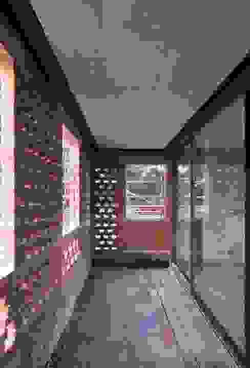 에클레틱 발코니, 베란다 & 테라스 by architecten de vylder vinck taillieu 에클레틱 (Eclectic)