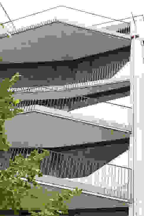 Ersatzneubau MFH Kleiber, Basel Moderner Balkon, Veranda & Terrasse von Oliver Brandenberger Architekten BSA SIA Modern