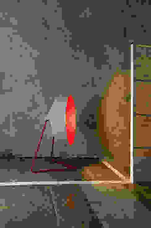 in-es.artdesign Sala de estarIluminação