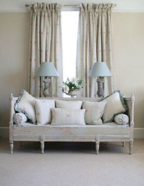 Living room by Curtains Made Simple,