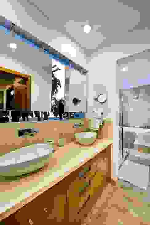 Casas de banho minimalistas por Excelencia en Diseño Minimalista