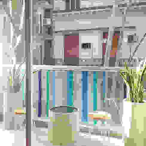 Un Balcón de Agua: Terrazas de estilo  por Estudio Nicolas Pierry: Diseño en Arquitectura de Paisajes & Jardines,Moderno