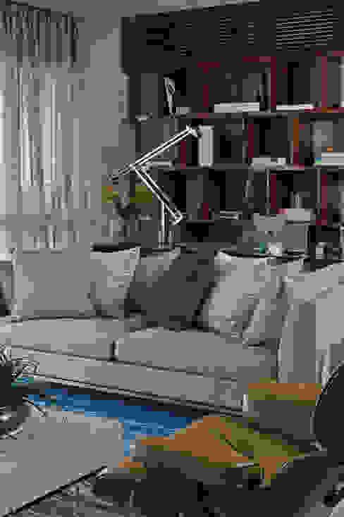 Modern Living Room by DIEGO REVOLLO ARQUITETURA S/S LTDA. Modern