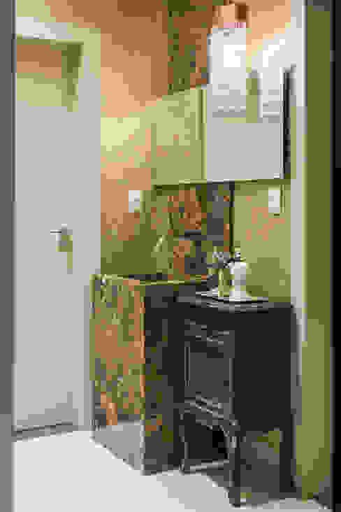 Toilet Banheiros modernos por RABAIOLI I FREITAS Moderno