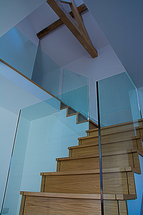 stairs 05 Minimalistyczny korytarz, przedpokój i schody od Alrewas Architecture Ltd Minimalistyczny