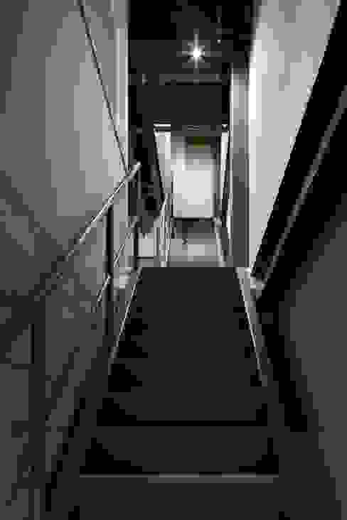 de 株式会社 藤本高志建築設計事務所 Ecléctico
