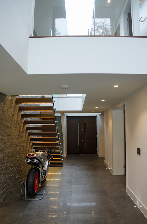 Nairn Road, Canford Cliffs Pasillos, vestíbulos y escaleras modernos de David James Architects & Partners Ltd Moderno