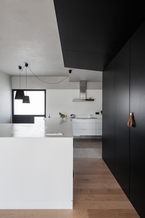 Moradias em banda, Queijas Cozinhas minimalistas por Estúdio Urbano Arquitectos Minimalista