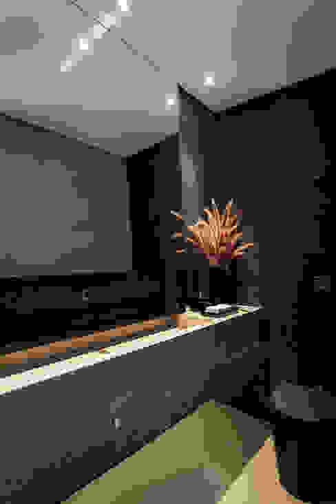 Casa em Itu Banheiros minimalistas por Consuelo Jorge Arquitetos Minimalista