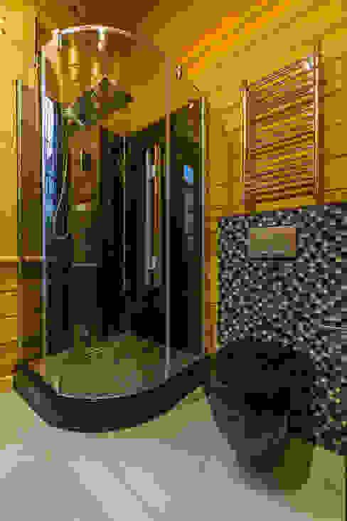 Минимализм в деревянном доме (архитектор Анжелика Марзоева) Ванная комната в стиле минимализм от Галерея интерьеров 'Angelica Marzoeva' Минимализм