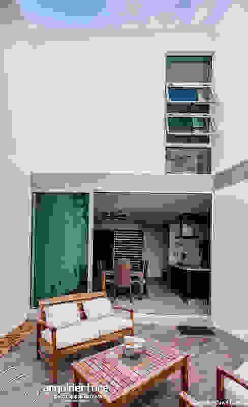 Patio Balcones y terrazas de estilo minimalista de Grupo Arquidecture Minimalista