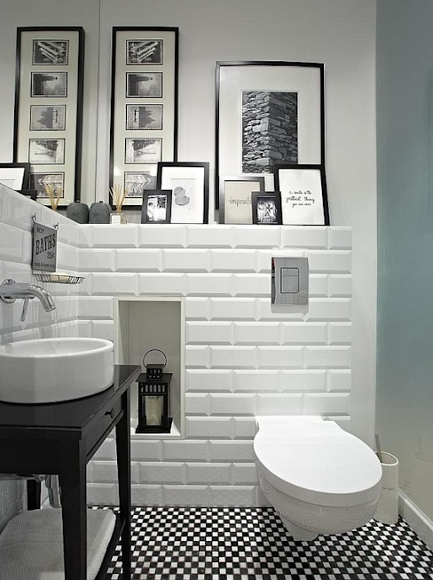 Modern style bathrooms by Deeco Modern