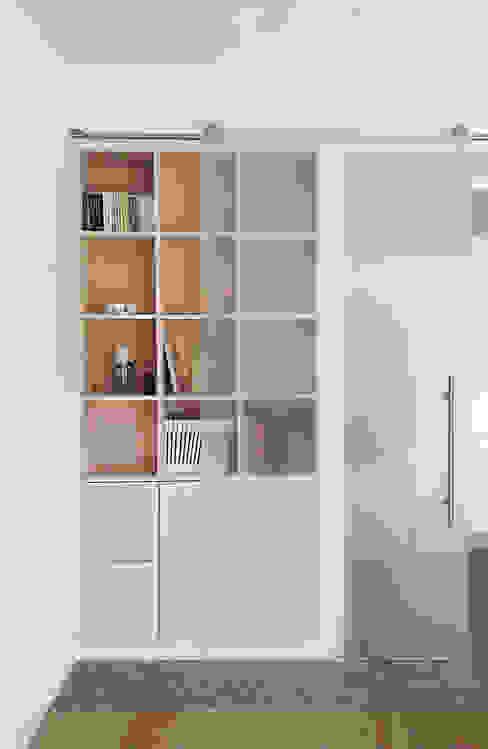Casa C, interno a Novara Sala da pranzo minimalista di diegocolliniarchitetto Minimalista