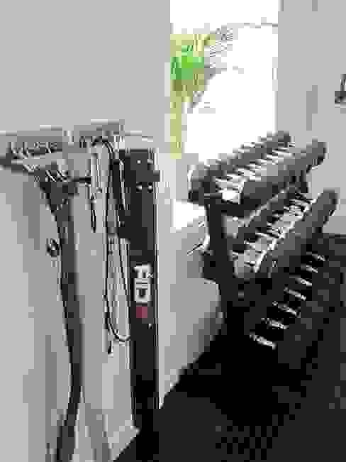 888 Gym Design example Gimnasios domésticos modernos de Pioneer Personal Training & Bespoke Gym Design Moderno