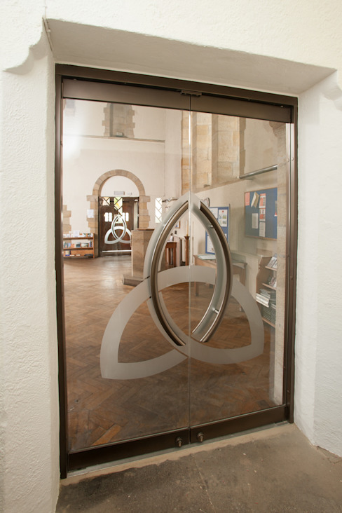 Frameless glass doors من DoorTechnik Ltd حداثي