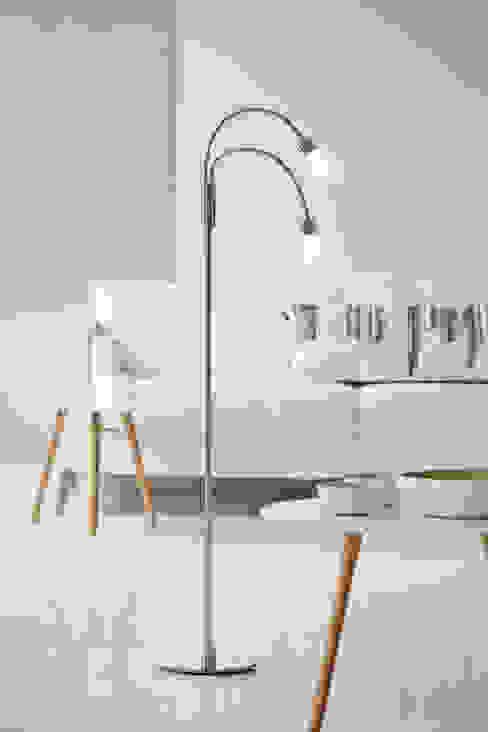 Floor Lamps II Minimalist living room by Herstal A/S Minimalist