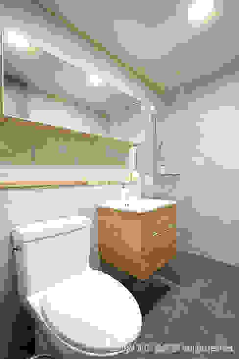 송파 신천동 잠실파크리오아파트 45평형: MID 먹줄의  욕실,모던