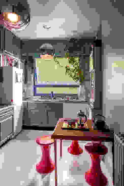 VICTOR HUGO Cuisine moderne par ZOEVOX - Fabrice Ausset Moderne