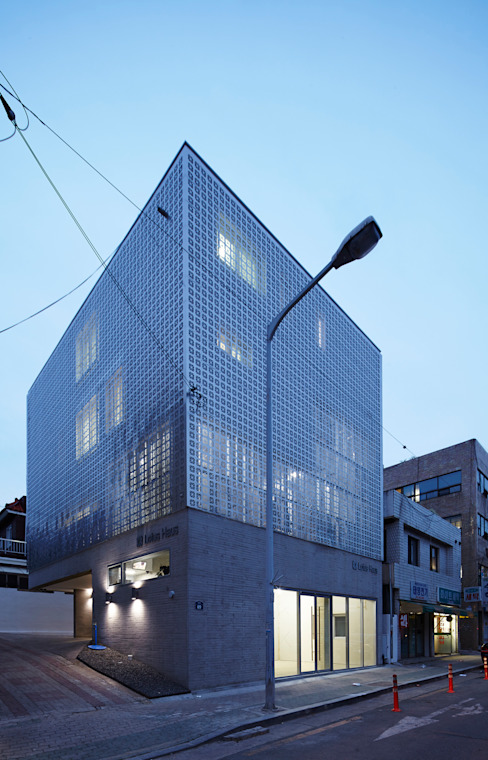 Lotus Haus (로터스하우스) 모던스타일 주택 by 스마트건축사사무소 모던
