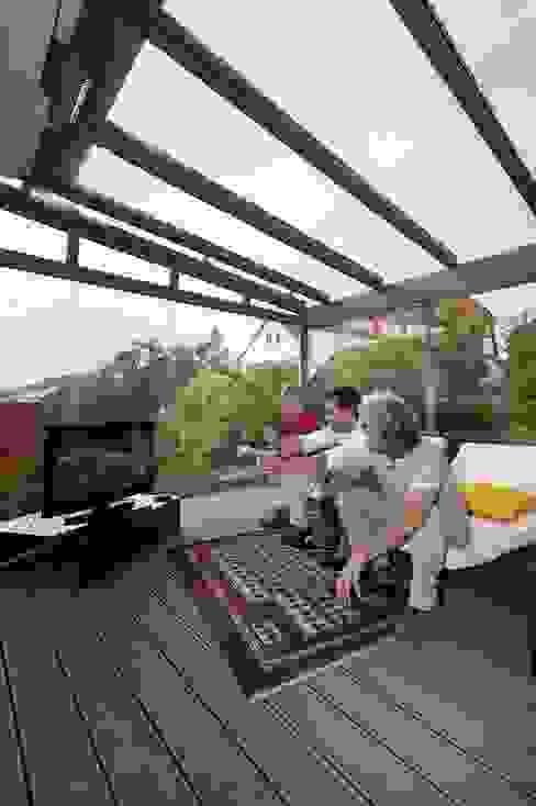 Varandas, alpendres e terraços modernos por MR Gruppe Moderno