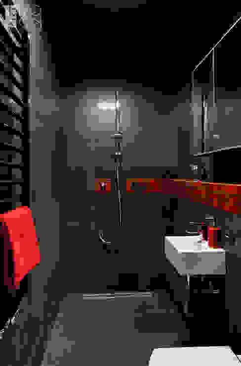 Czarna łazienka z czerwonym akcentem Nowoczesna łazienka od Pracownia projektowa artMOKO Nowoczesny