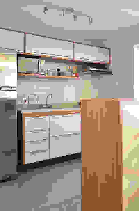 : Chez Caro Cozinhas modernas por Mmaverick Arquitetura Moderno