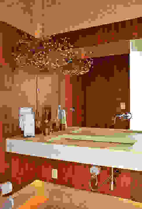 Lavabo Banheiros modernos por Maurício Queiróz Moderno