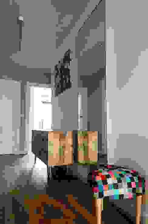 mieszkanie pomiędzy miastami | between big cities: styl , w kategorii Korytarz, przedpokój zaprojektowany przez Studio Malina,Skandynawski